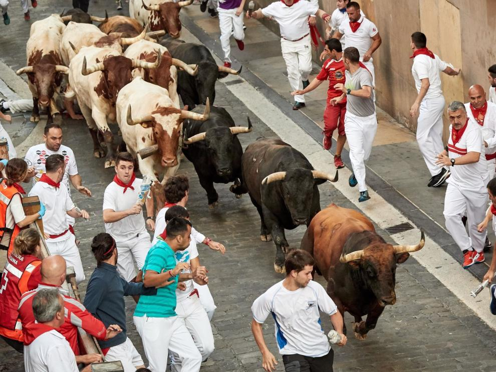 La Palmosilla debuta en Pamplona con un encierro veloz y limpio