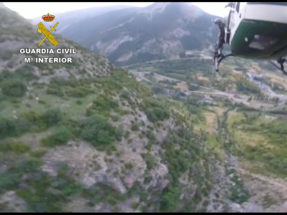 Rescatan a un montañero perdido durante 4 días tras la llamada de auxilio con un silbato