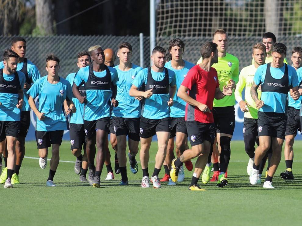 El fichaje de Pedro López completa los laterales pero al Huesca aún le faltan tres centrales