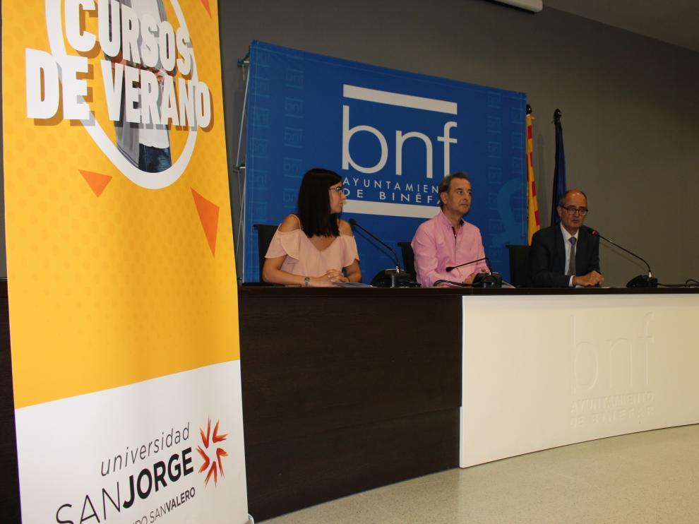 La Universidad San Jorge instala en Binéfar un aula móvil para sus cursos de verano