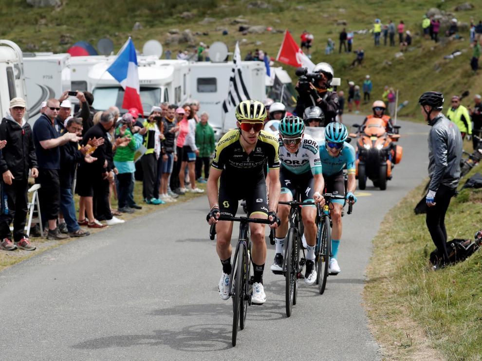Simon Yates abre los Pirineos