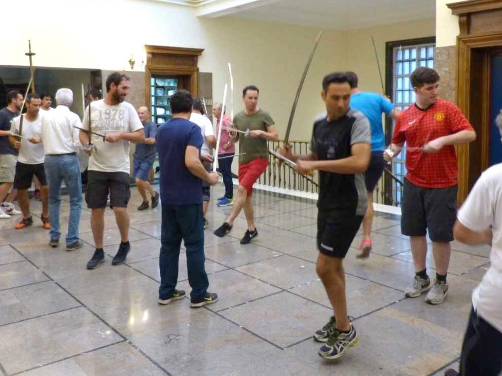 Los Danzantes de Huesca ultiman sus ensayos antes de las fiestas