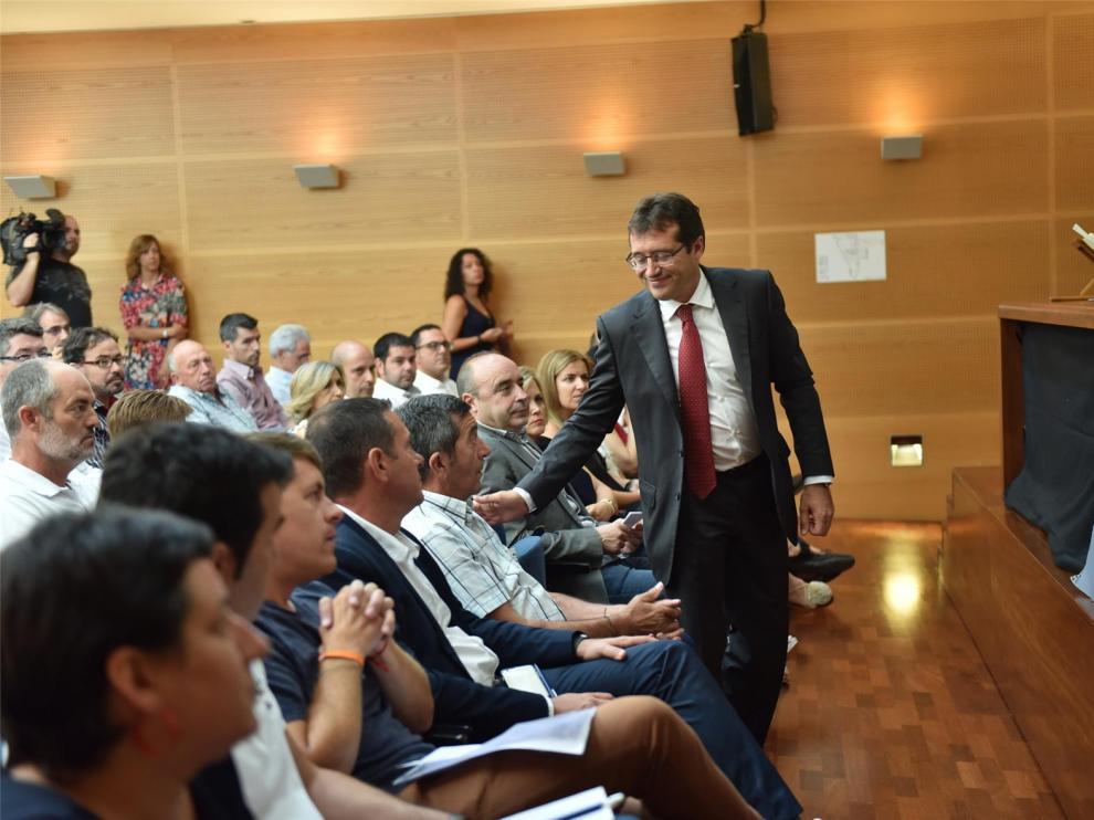 Jesús Alfaro es investido presidente de la Hoya de Huesca con el apoyo de PSOE, Cs y PAR