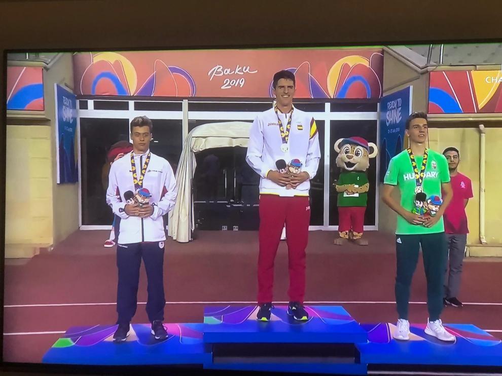 Mario Revenga, medalla de oro en los 110 vallas del FOJE