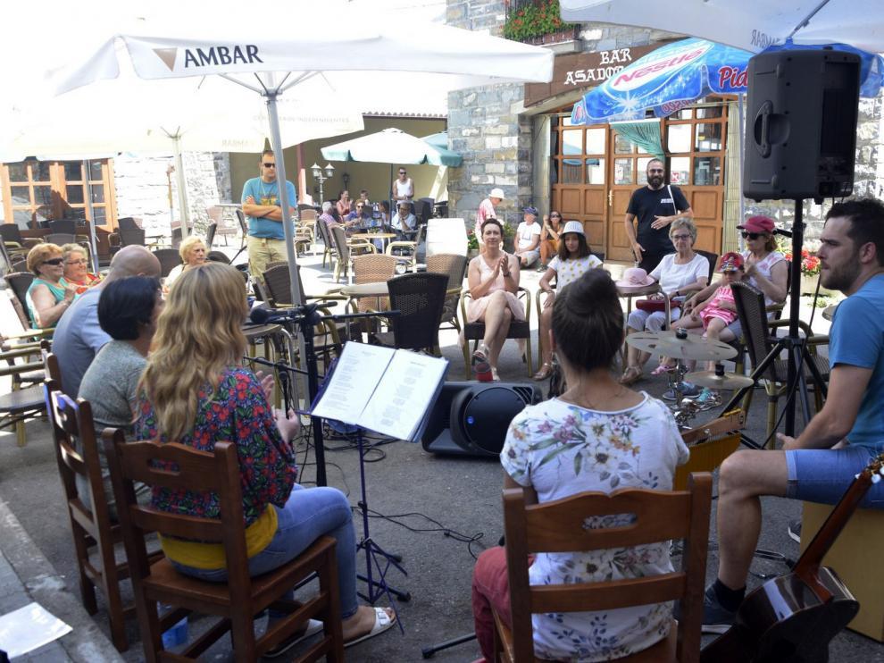 El Festival de Música Callejera de Villanúa cumple una década
