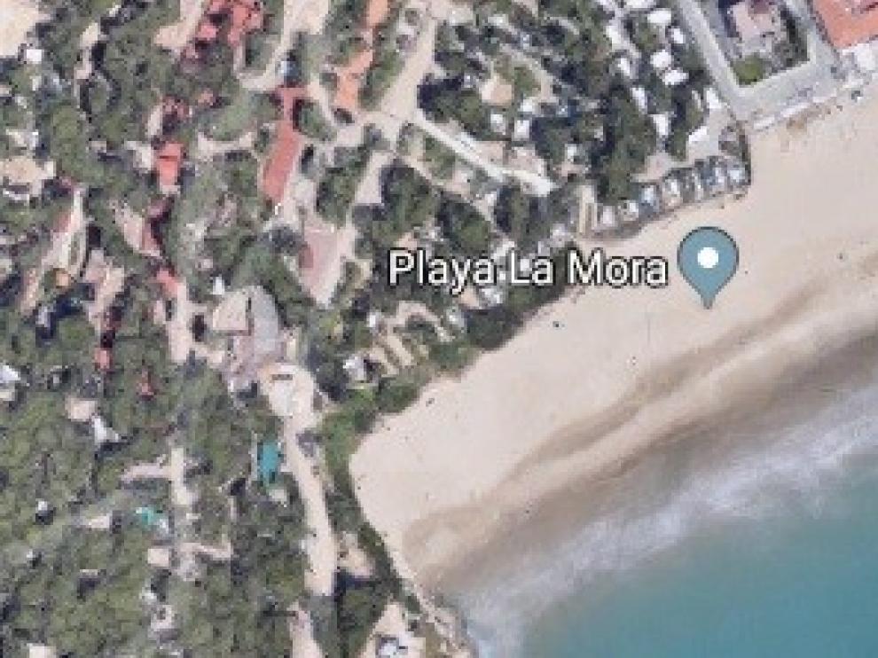 Muere un hombre en una playa vigilada de Tarragona donde el servicio de socorrismo había finalizado
