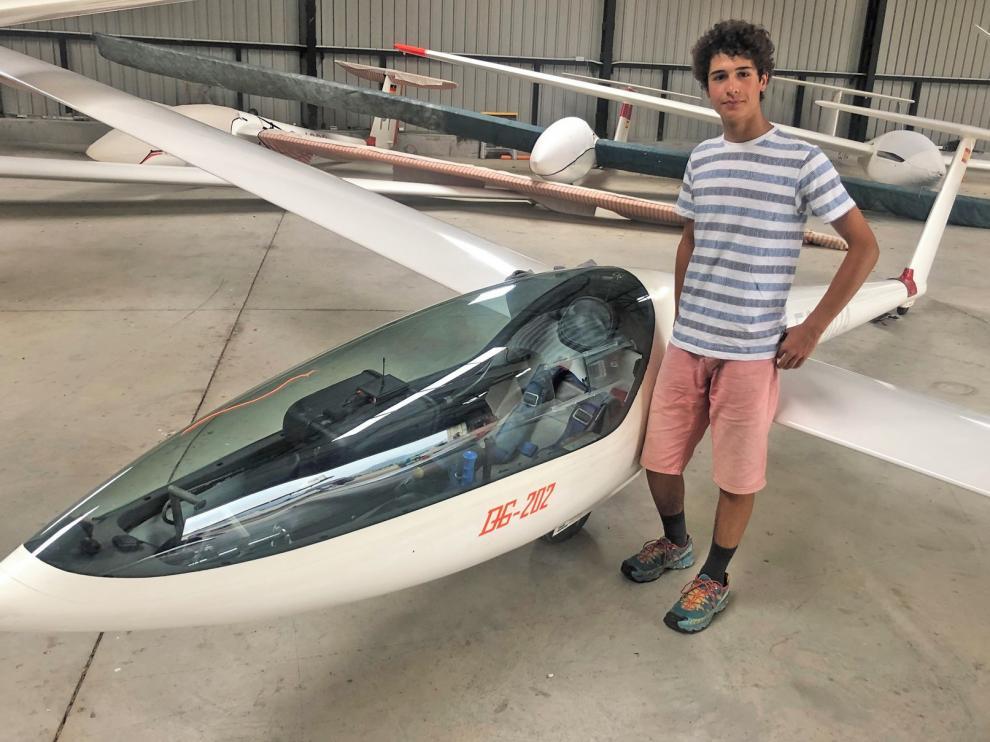 Un joven de 17 años recorre más de 500 kilómetros en un vuelo sin motor
