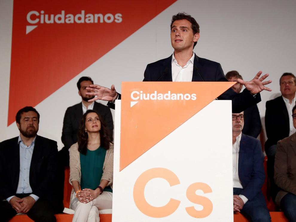 "Albert Rivera se refuerza con leales a su ""no"" a Pedro Sánchez"