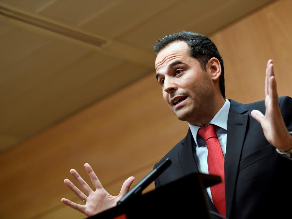 El sí de Cs a la propuesta de Vox permitirá la investidura de Ayuso en Madrid