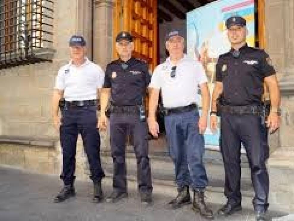 Policía nacional española y francesa colaboran en la seguridad del Festival Folclórico de los Pirineos