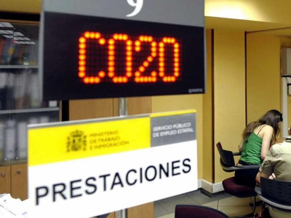 El paro baja en 4.253 personas en su peor julio desde 2008 en plena temporada turística