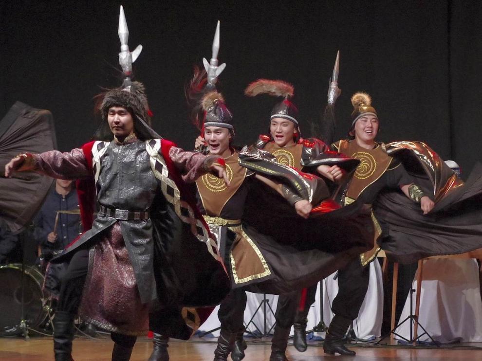 Jaca cierra hoy con un gran desfile su fiesta folclórica