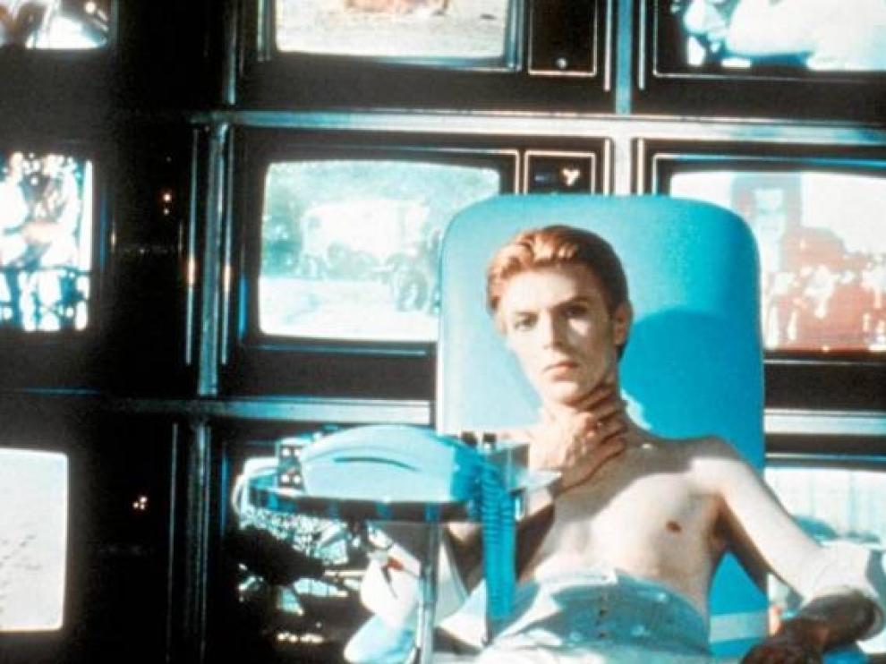 """La película """"El hombre que vino de las estrellas"""" tendrá su serie de televisión"""