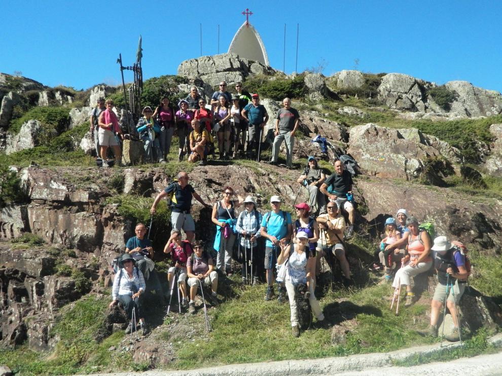 Voluntarios universitarios divulgan el Camino de Santiago