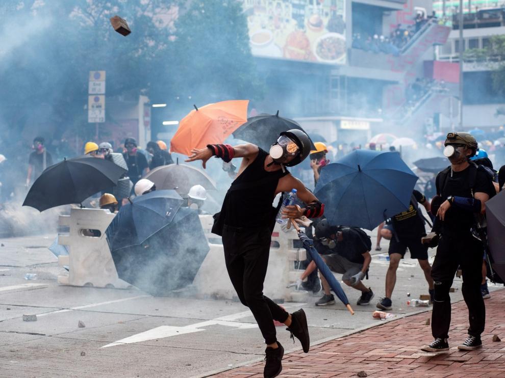 Se repiten los enfrentamientos en las protestas de Hong Kong