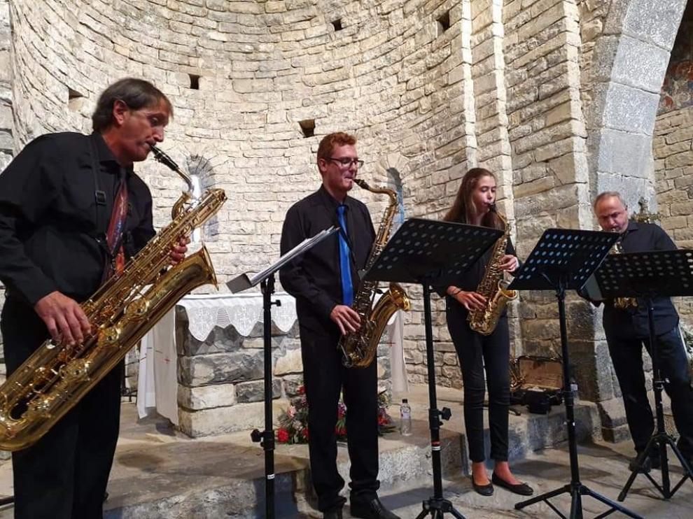 Actuación del Cuarteto de Saxofones de Sabiñánigo