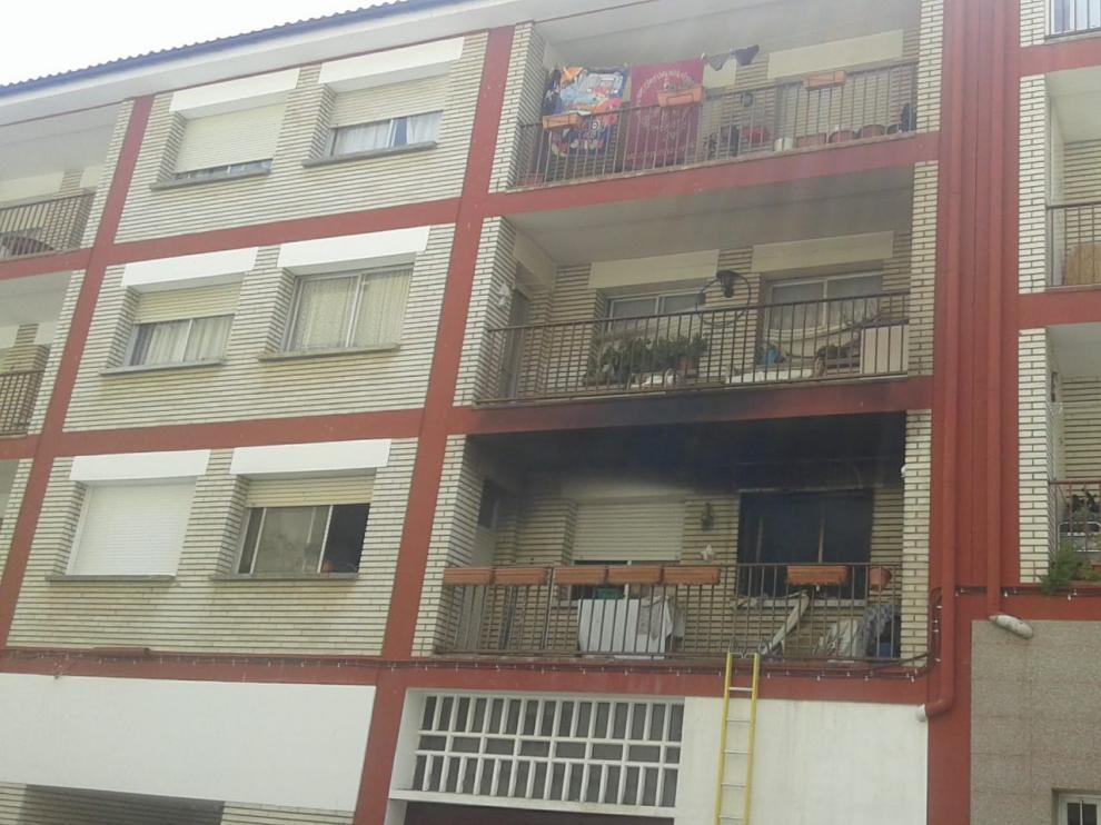 Un vecino de Barbastro de 34 años muere en el incendio de su piso