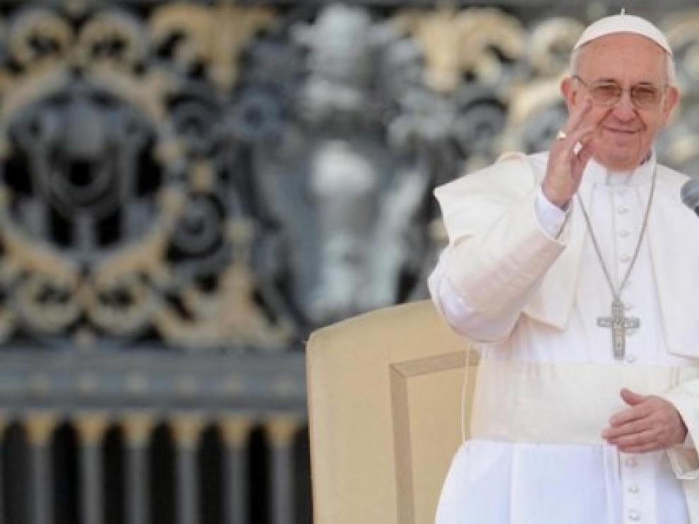 El papa pide una Iglesia sin fronteras, solidaria y atenta a los problemas