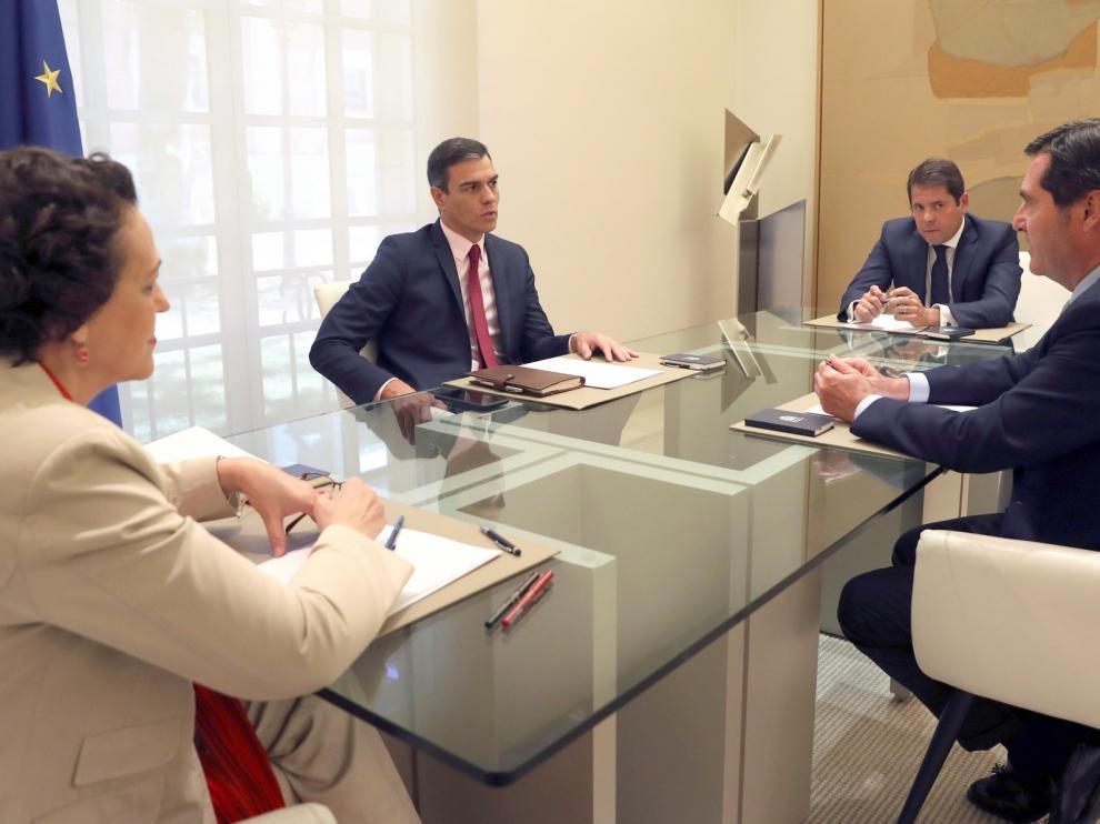 Los agentes sociales urgen a Pedro Sánchez a formar un Gobierno