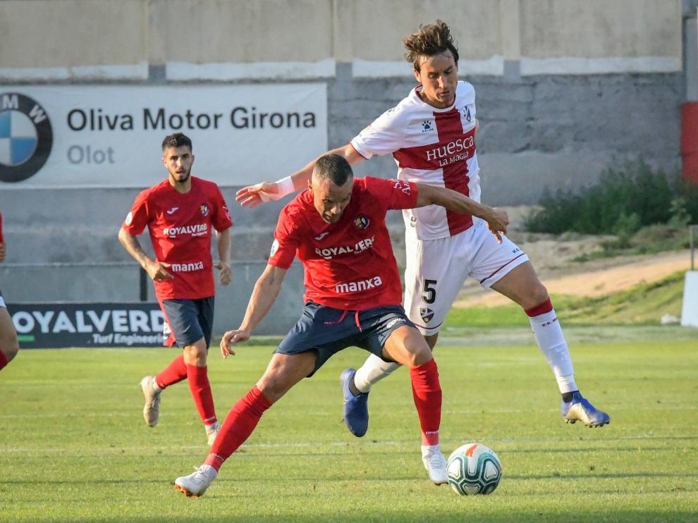 El Huesca no pasa del empate ante un serio Olot