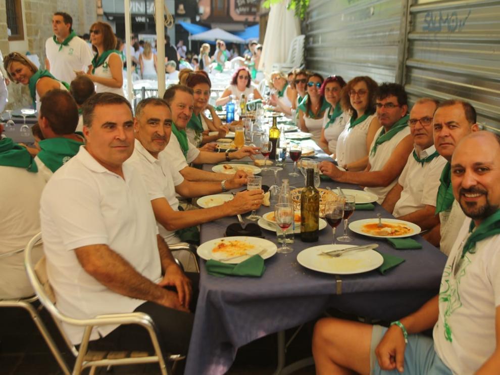 """Todos a coger fuerzas para disfrutar del """"chupinazo"""" con un buen almuerzo laurentino"""
