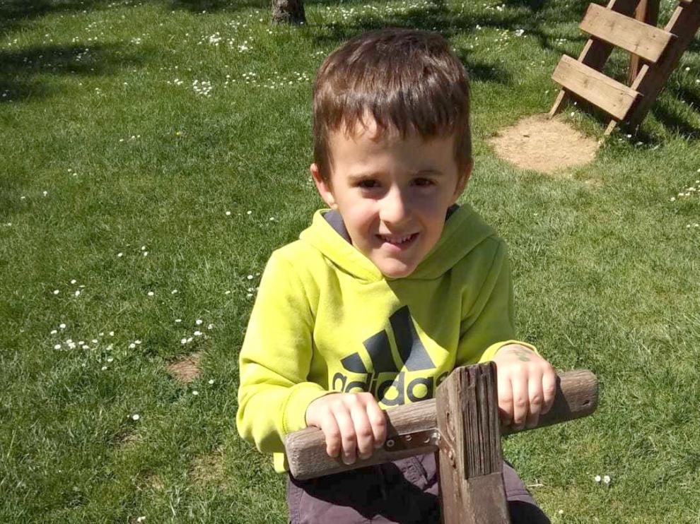 Más de 940 firmas online apoyan ya al pequeño Hugo