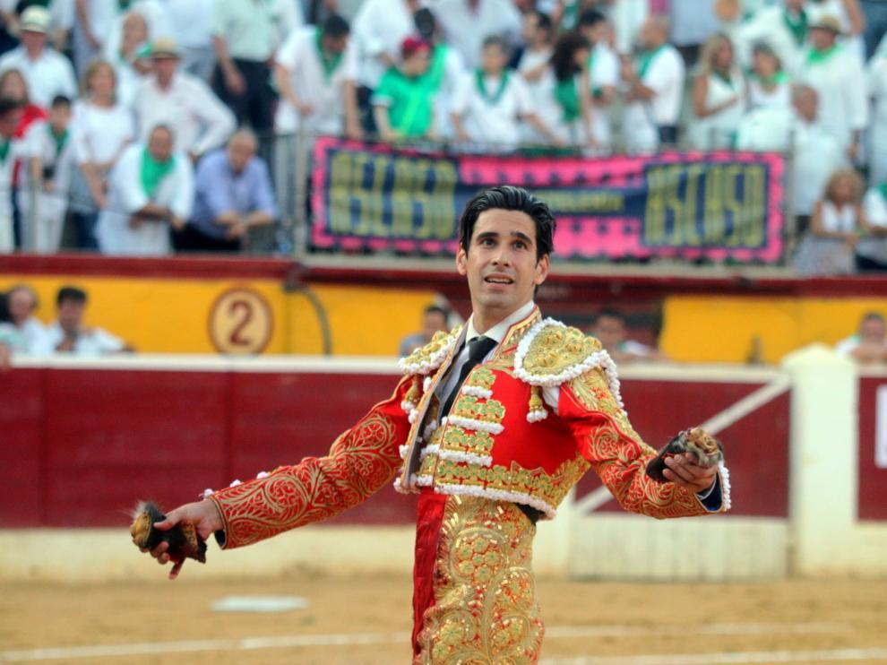 Perera, López Simón y Garrido abren feria con los Torrestrella