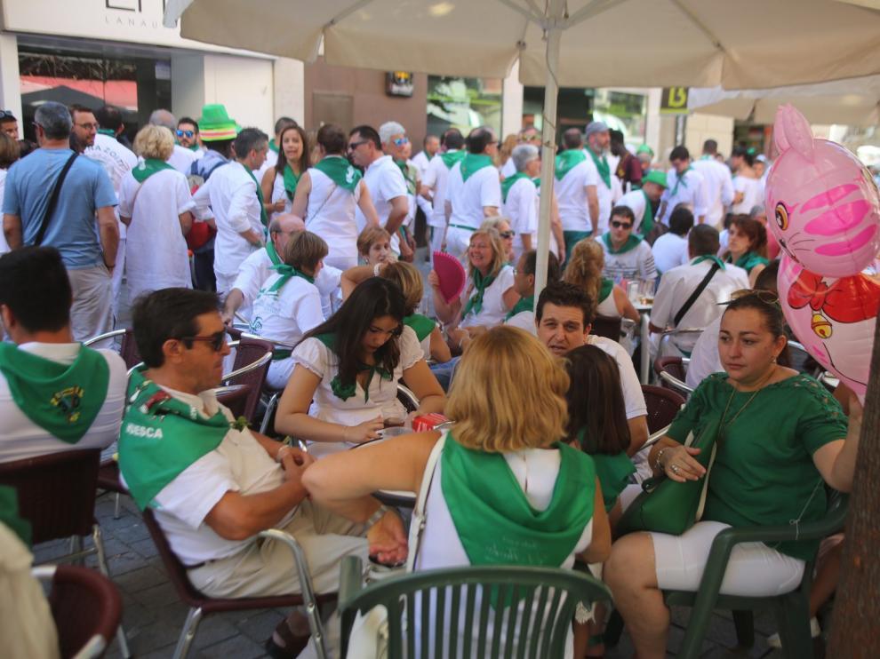 Huesca no descansa y la diversión es constante en terrazas, bares y otras zonas de ocio