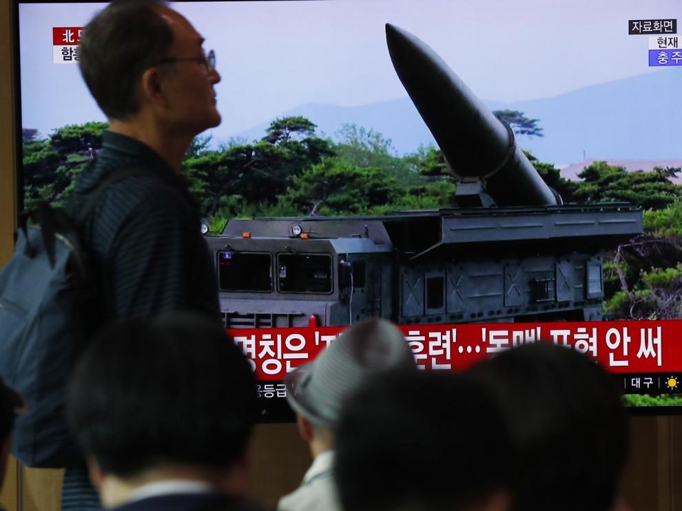 """La UE pide a Corea que deje de """"provocar"""" y retome el diálogo"""