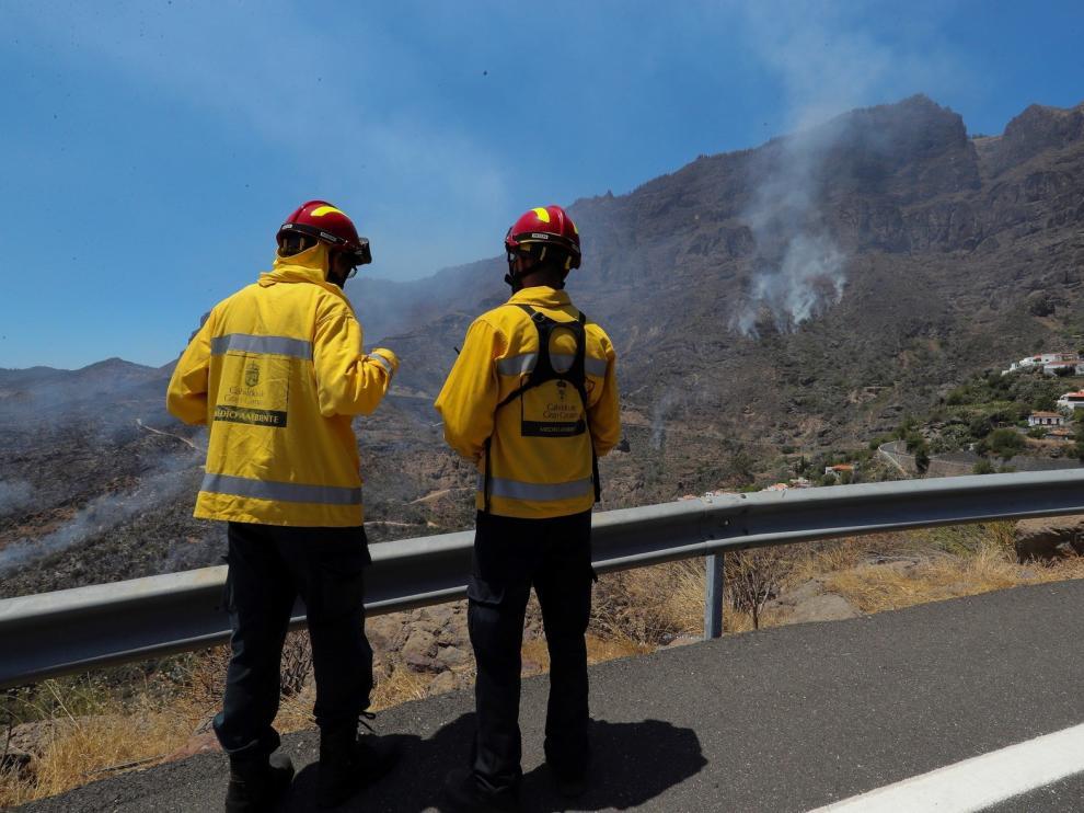 Logran contener el incendio que afecta a Gran Canaria