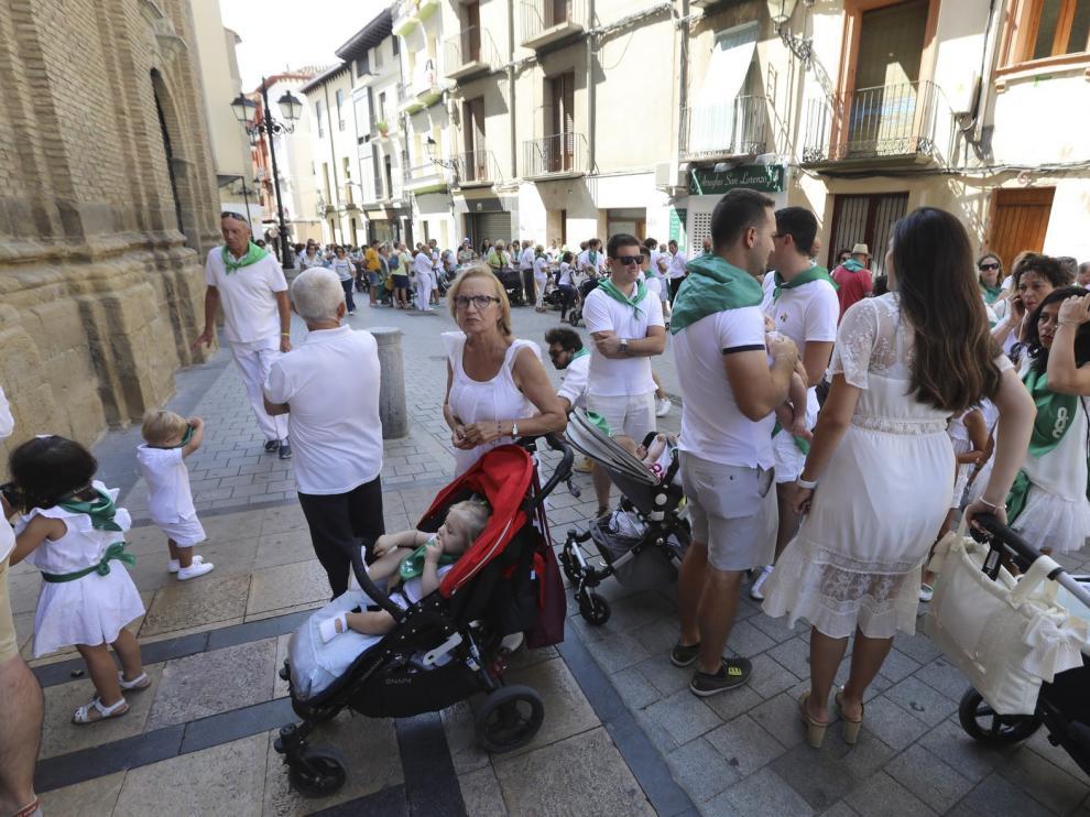 Decenas de niños oscenses se inician en la devoción laurentina