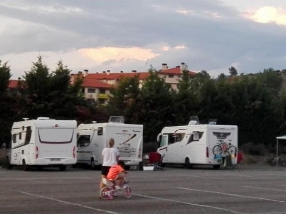 Crece el uso de la zona de autocaravanas de la localidad de Sabiñánigo