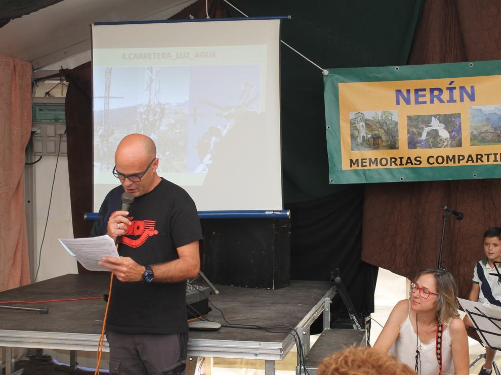 Nerín multiplica por diez su población gracias a la presentación de su libro