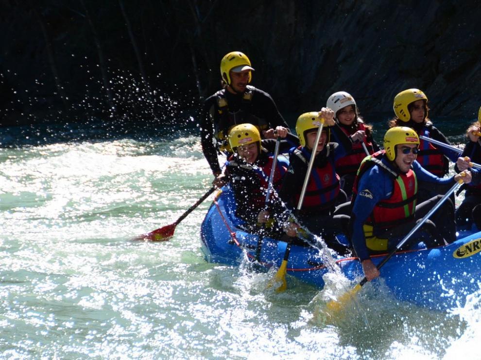 Las aguas bravas del río Gállego, un gran reclamo turístico