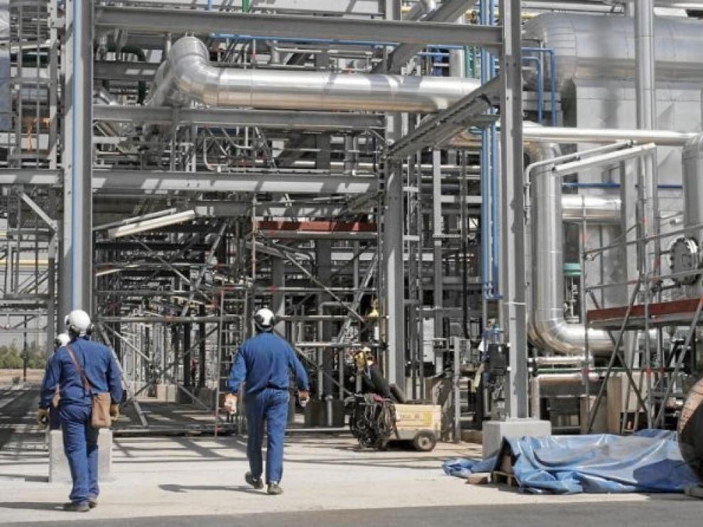 Aragón, segunda CCAA donde más cayó en mayo la producción industrial, 33,8 %