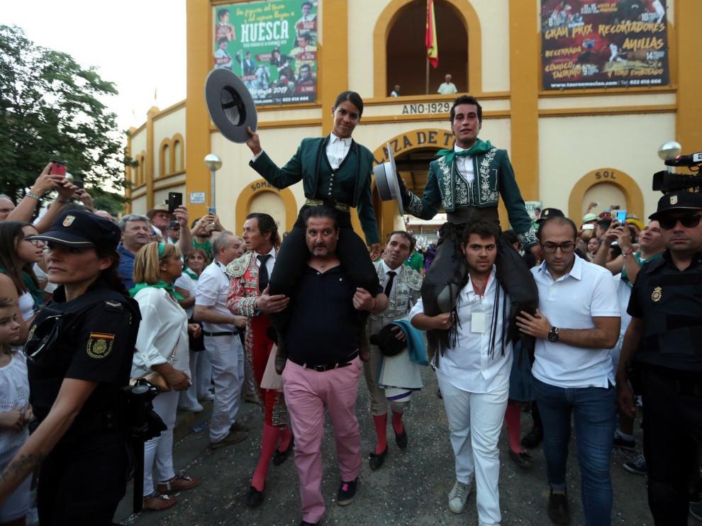 Lea Vicens y Pérez Langa abren la puerta grande en la última de feria