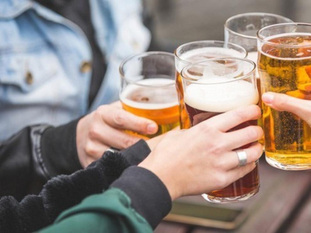 El alcohol, una de las principales causas de ganar peso en verano