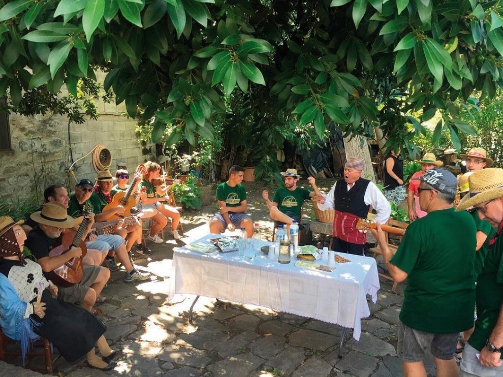 Labuerda honra a San Roque y sale de ronda con Paco Lasierra