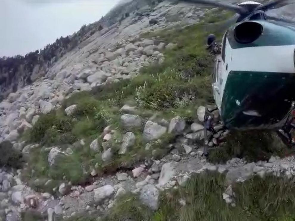 Un montañero se rompe la tibia y el peroné al sufrir una caída en el pico Balaitus