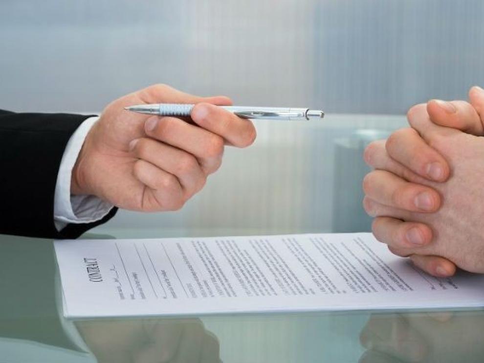 El 25 % de lo contratos de julio ha durado menos de una semana