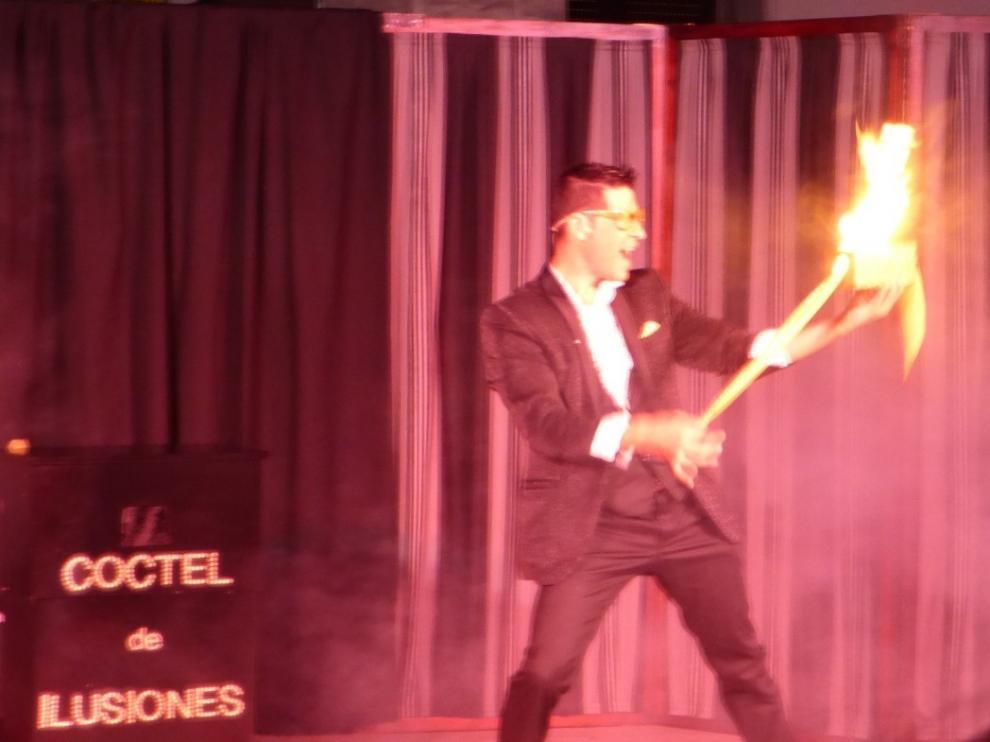 La magia de Civi Civiac sorprende en Sabiñánigo