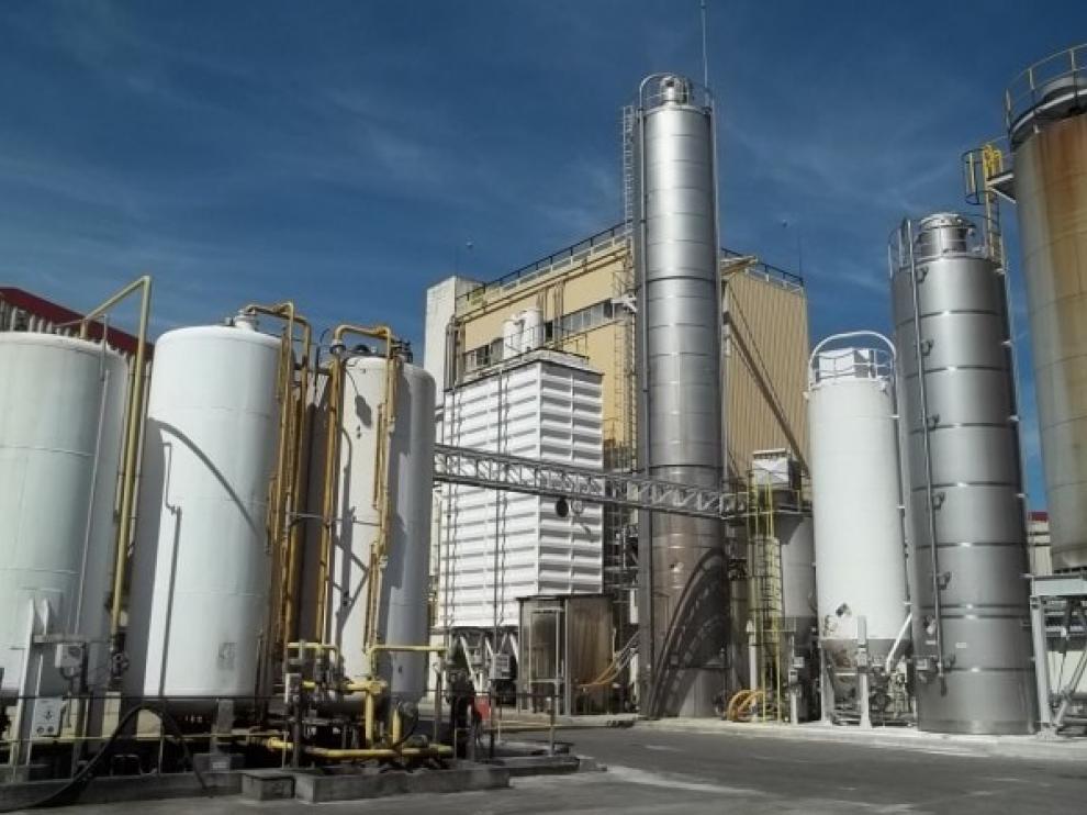 La fábrica de Ercros en Monzón reduce su índice de emisiones un 89 %