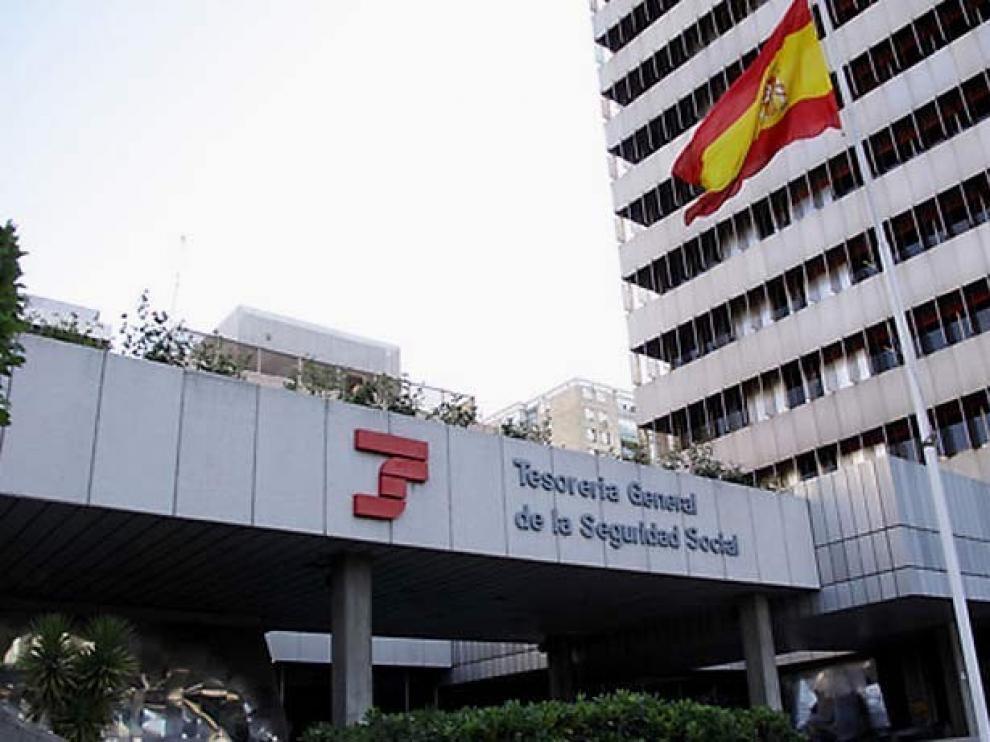 La afiliación cae en Aragón un 2,36% en abril con 13.399 trabajadores menos