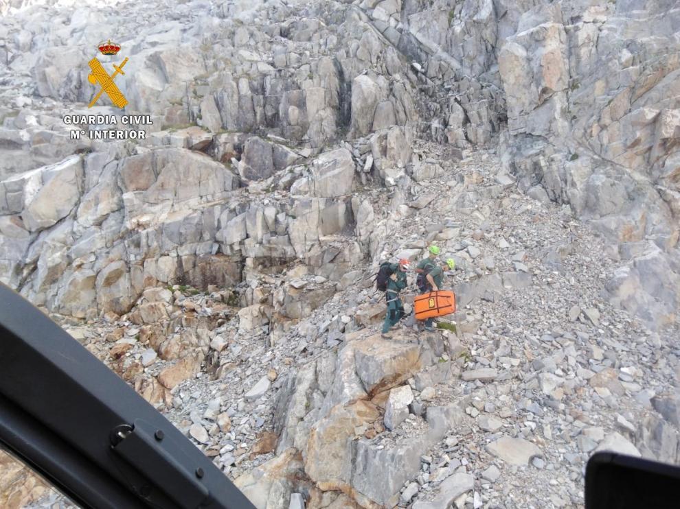 Hallan muerto a un montañero zaragozano en el pico Frondiellas