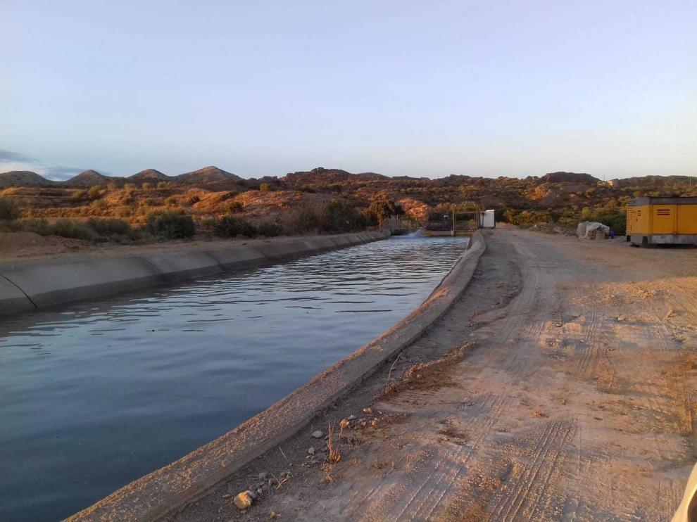 El Canal de Aragón y Cataluña, reparado ya, suministra agua para el riego con normalidad