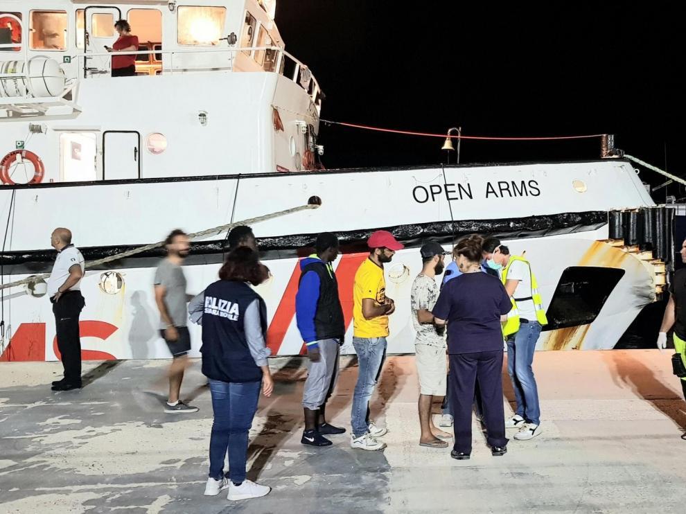 Calvo anuncia que España acogerá a quince migrantes del Open Arms