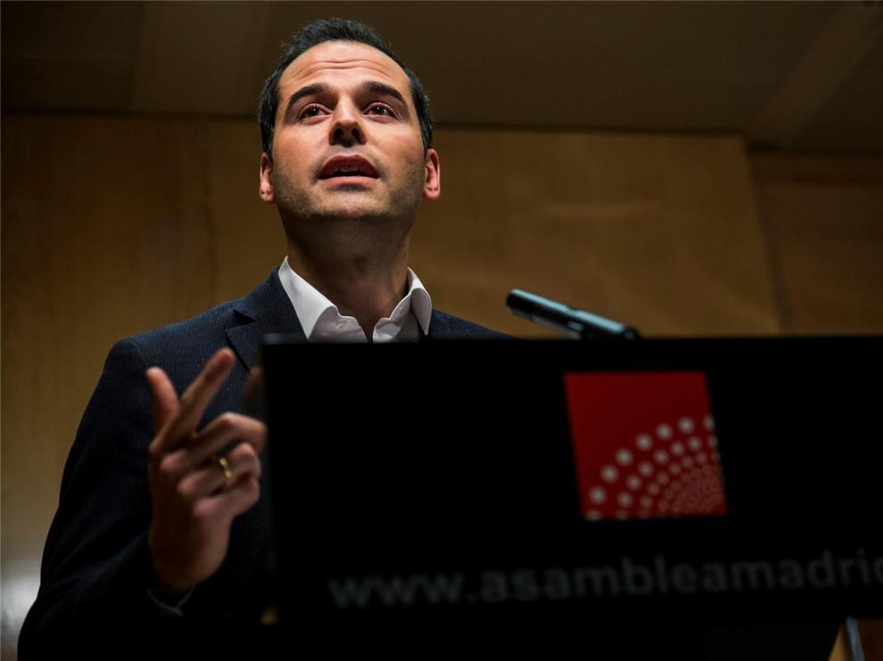 """Cs descarta la coalición 'España Suma' y cree que el PP promueve la alianza por su """"batacazo electoral"""" de abril"""