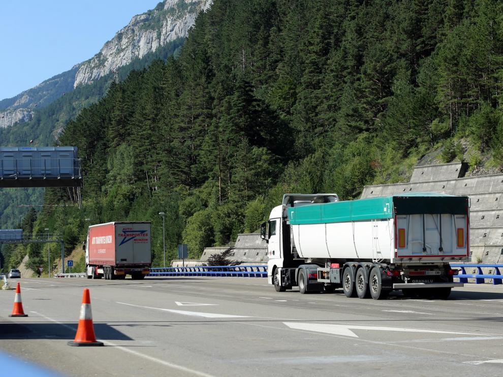 Los transportistas de Huesca creen que el Somport se colapsará si se desvían muchos camiones