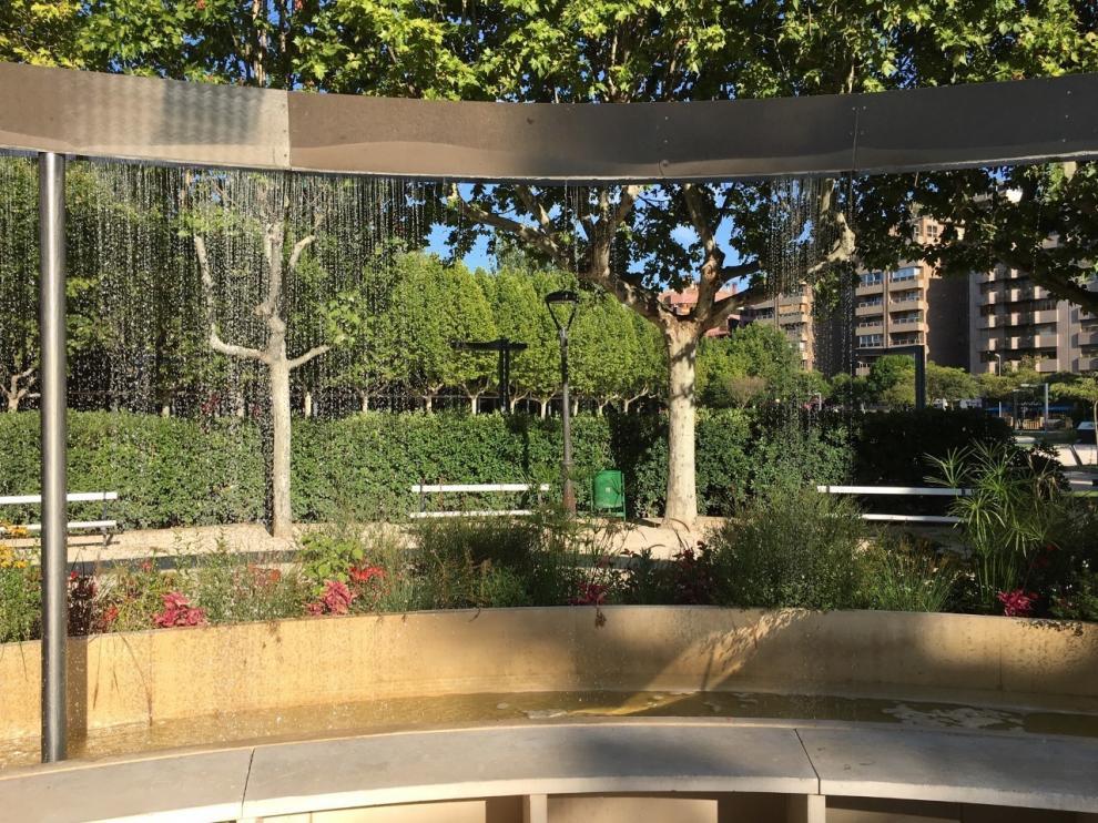 Las fuentes del parque Miguel Servet de Huesca siguen de sequía