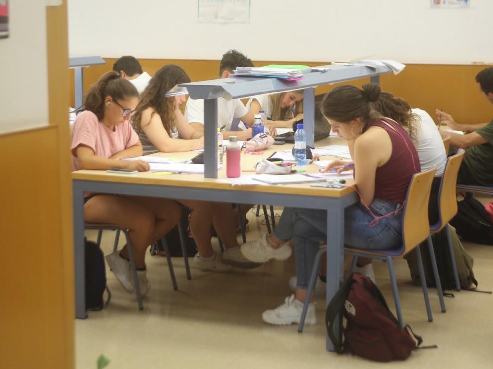 Las bibliotecas universitarias de Huesca se preparan para septiembre